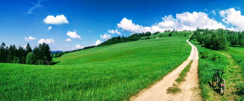 Podjazd czerwonym szlakiem pod Kykule od Skaite