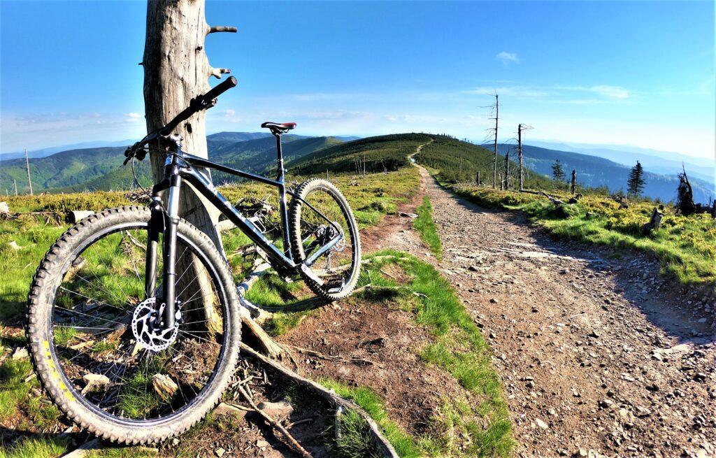 skrzyczne rowerem z przełęczy salmopolskiej