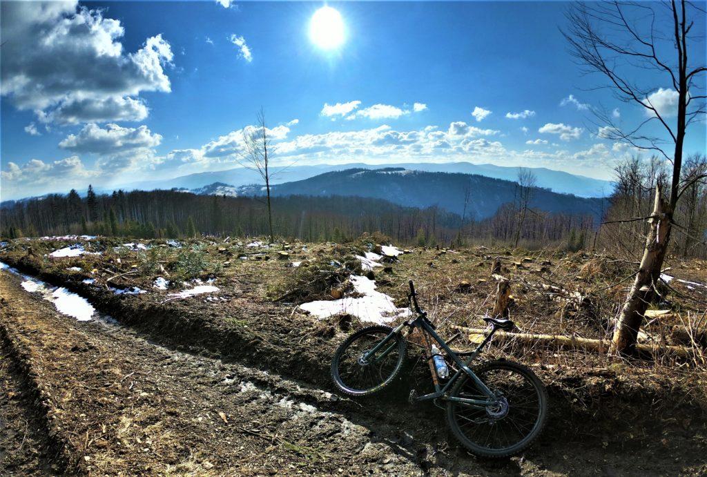 Wielki Soszów trasa rowerowa z Wisły widok na czeską stronę Beskidów