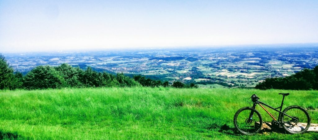 Trasa Rowerowa Czantoria-Stożek, widok na góry z Małej Czantorii