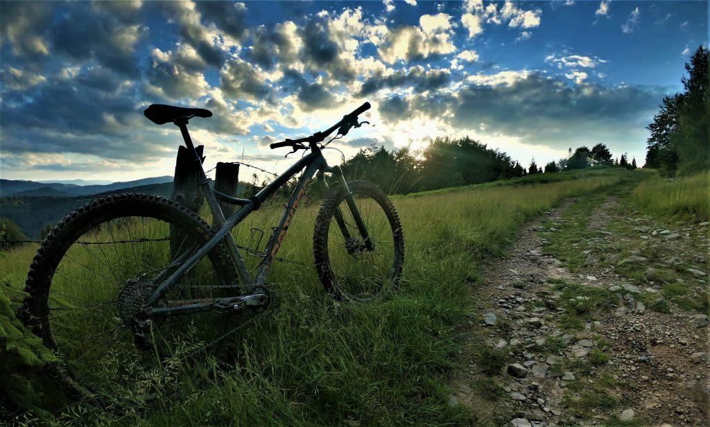 Z Brenny na Kotarz rowerem na czarnym szlaku