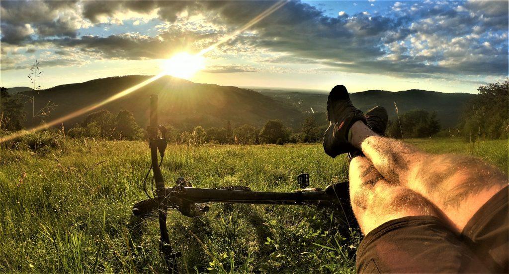 Ostatni odpoczynek na trasie Kotarz Grabowa Stary Groń rowerem