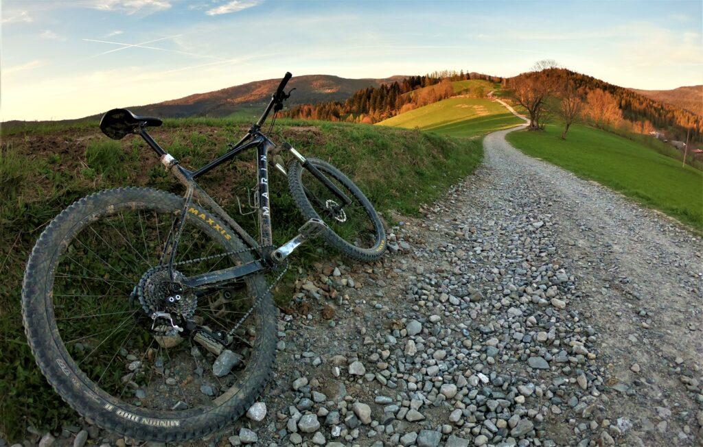 Cieńków górska trasa rowerowa przez jedno z najpiękniejszych miejsc w Beskidzie Śląskim